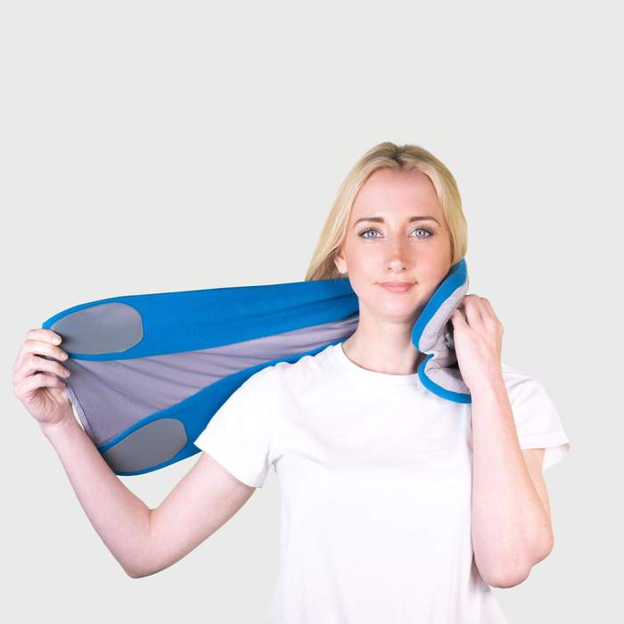 How to put on the Trtl Pillow Plus